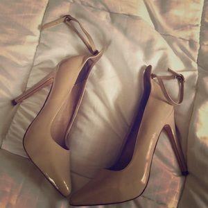 Pointy toe nude heels